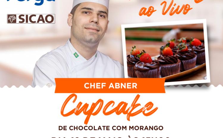 Cupcake de Chocolate com Morango